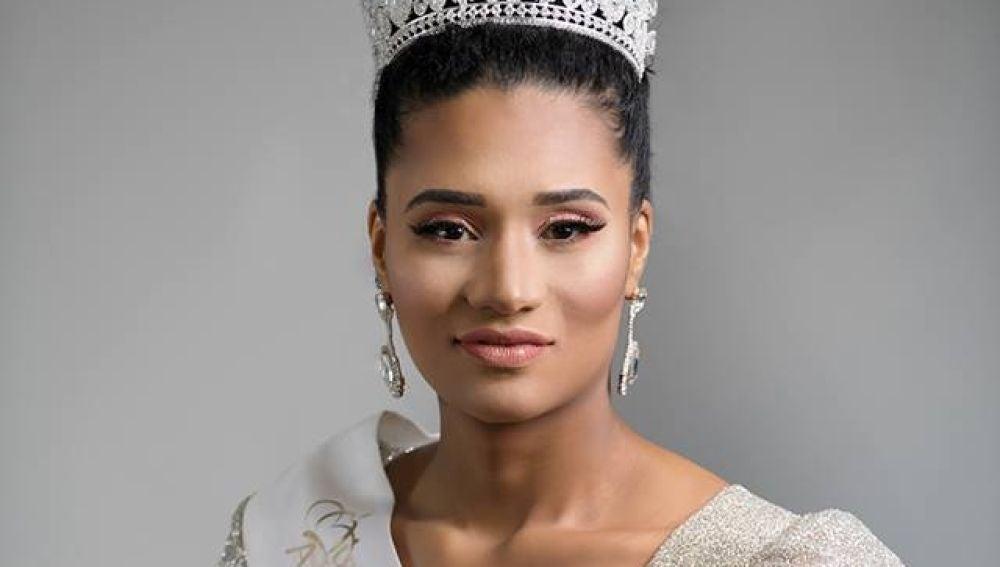 Miss Argelia