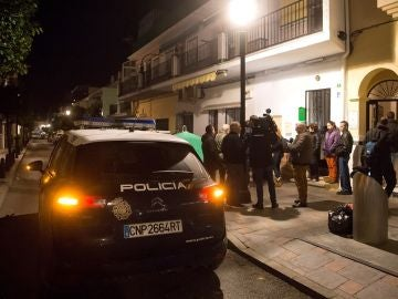 Los exteriores del edificio situado en Fuengirola, donde ha ocurrido el asesinato machista