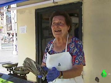 Isabel Castillo, la última sardinera de Santurtzi que sigue vendiendo pescado con sus 81 años