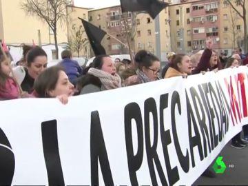 """Manifestación en Badalona bajo el lema """"la pobreza mata, vivienda digna ya"""""""