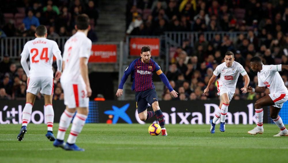 Messi, en acción contra el Eibar
