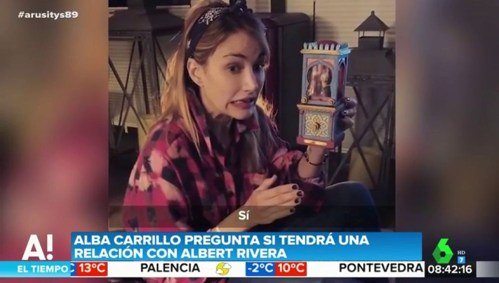 Alba Carrillo y sus indirectas a Albert Rivera: así es su surrealista vídeo pidiéndole una cita