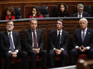 Los expresidentes Rajoy, Zapatero, Aznar y González en el Congreso