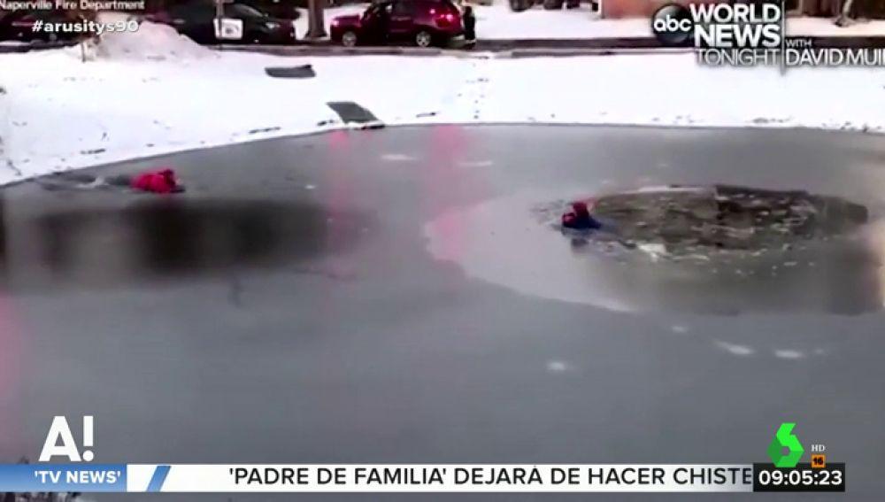 El sorprendente rescate a un niño que quedó atrapado en un lago helado