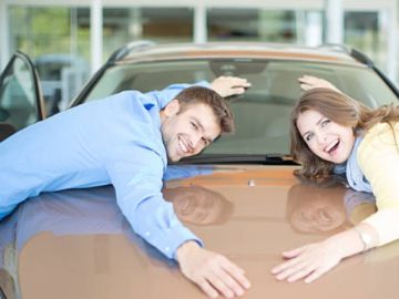 Comprando un coche en un concesionario