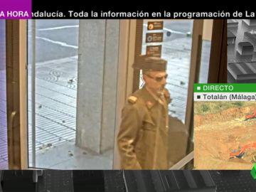 Robo surrealista: detienen a un atracador disfrazado con el uniforme de gala de la Guardia Civil
