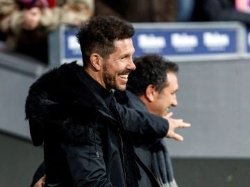Simeone en el choque contra el Girona