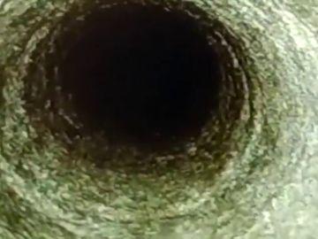 El vídeo de la bajada de 73 metros hasta el tapón del pozo donde está atrapado Julen en Totalán