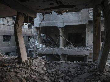 Calma tensa en Manbech tras el atentado suicida del EI contra la coalición