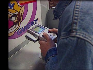 De los salones recreativos a la Game Boy: la consola portátil revolucionó los hogares en la década de los 90