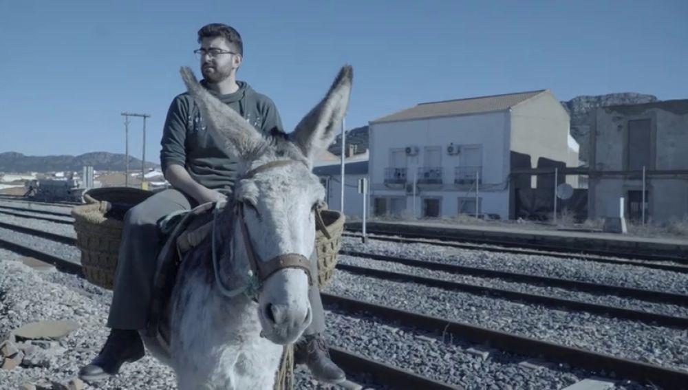 Cabeza del Buey: visita al pueblo extremeño que echó una carrera al tren a lomos de un burro (y ganó el burro)