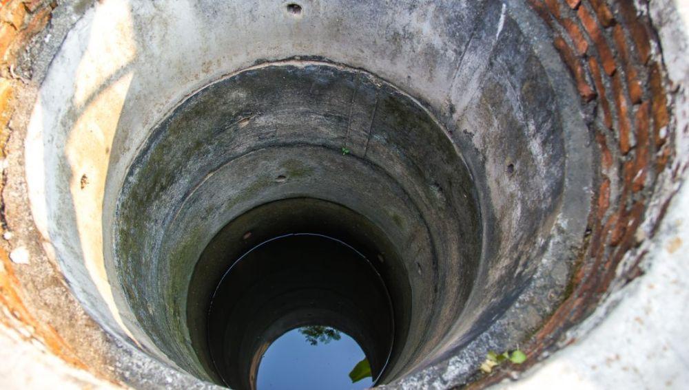 Imagen de archivo de un pozo con agua.