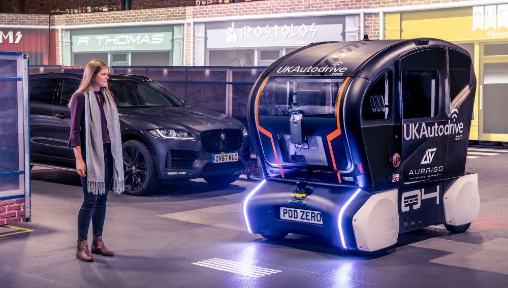 Jaguar y Land Rover desarrollan una forma de comunicación entre coches autónomos y humanos
