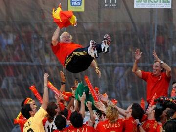 Luis Aragonés, en la celebración por la Eurocopa de 2008