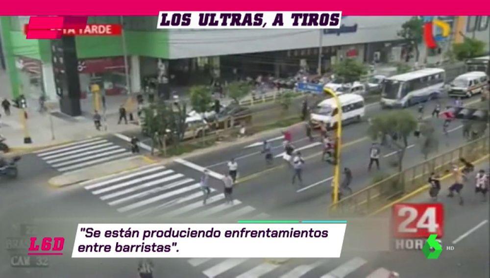 Ultras del Alianza de Lima se enfrentan contra delicuentes disfrazados de barristas del Universidad