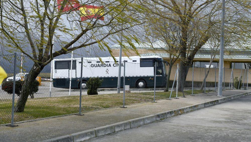 Los presos del procés llegan a las cárceles de Madrid días antes del juicio