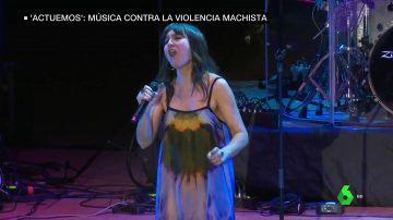 Eva Amaral en el concierto contra la violencia machista
