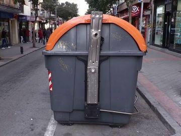 Encuentran el cadáver de un bebé recién nacido en un contenedor de basura en Madrid