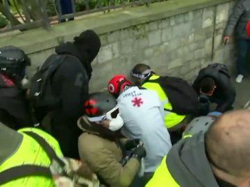 Pierde una mano en la protesta de los chalecos amarillos