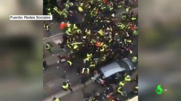 Enfrentamientos entre los chalecos amarillos de izquierdas y de derechas