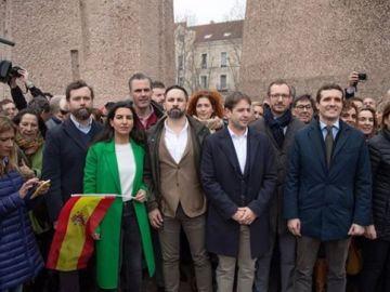 Vox y Cs en la manifestación contra Pedro Sánchez