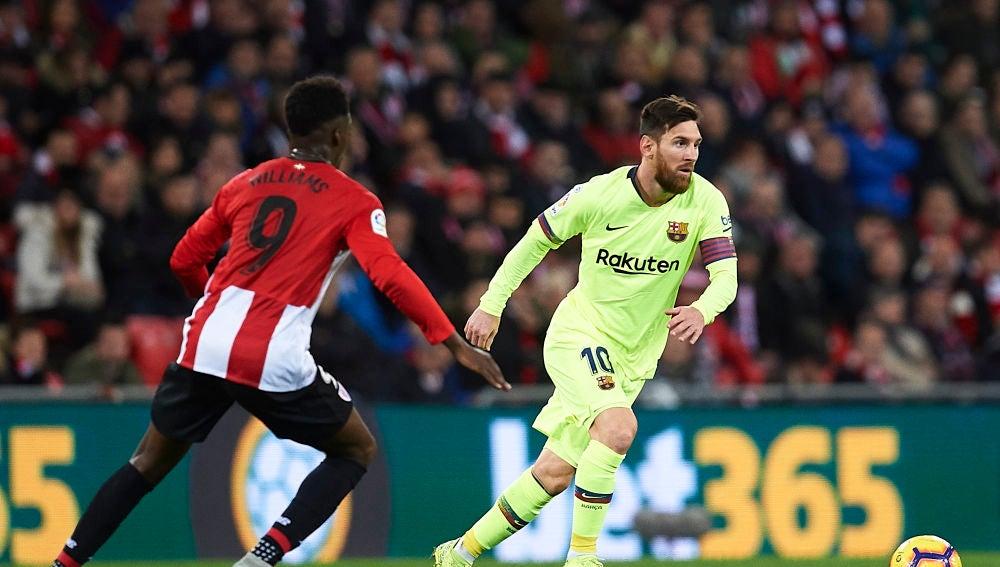 Messi, en acción contra el Athletic en San Mamés