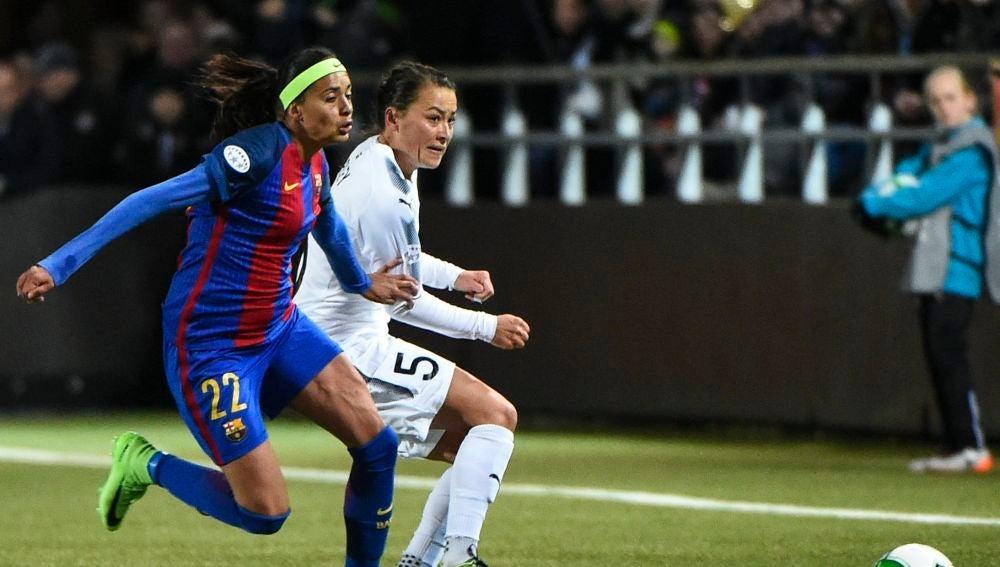 Andressa Alves, durante un partido del Barcelona femenino.