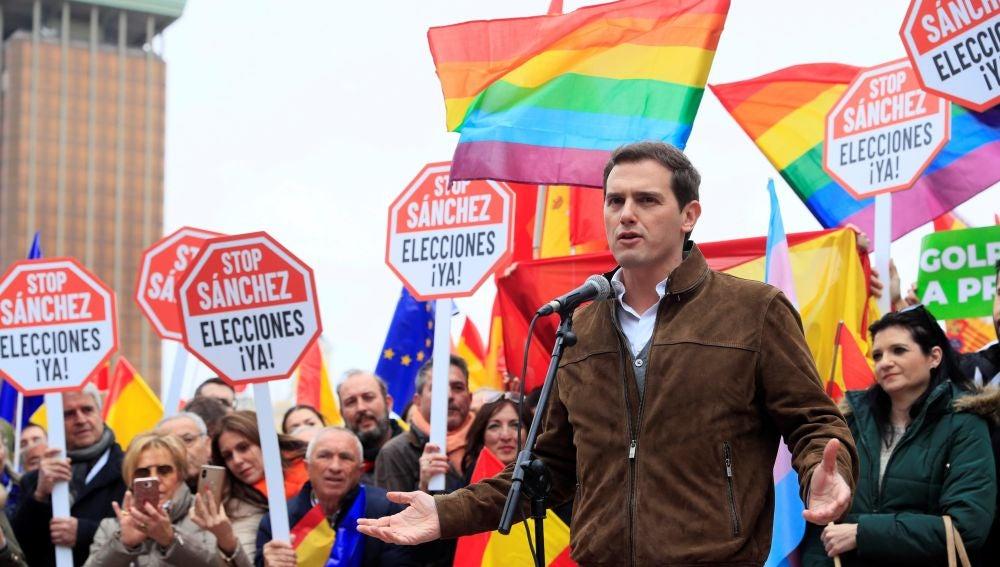 Albert Rivera en la manifestación contra Pedro Sánchez