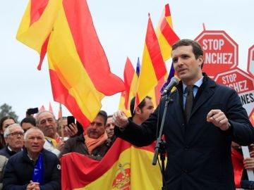 Pablo Casado en la concentración contra Pedro Sánchez