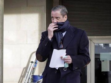 Zaplana abandona el hospital La Fe de Valencia tras recibir el alta
