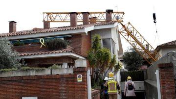 La vivienda donde se ha desplomado la grúa