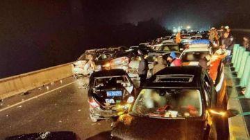 Los coches destrozados tras el accidente múltiple