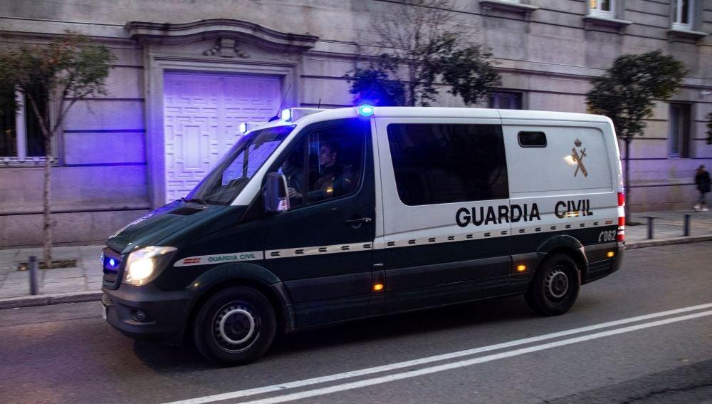 Llegada a la Audiencia Nacional de un furgón de la Guardia Civil (Archivo)