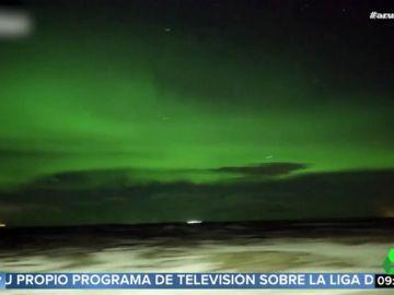 Así es como realmente se ve a simple vista una aurora boreal en Islanda