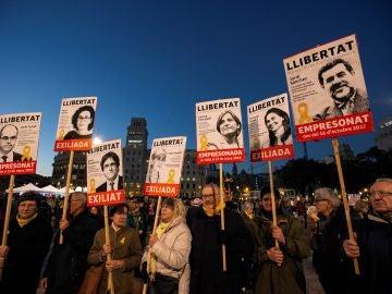Manifestación contra el juicio por el 1-O en el Tribunal Supremo en Barcelona