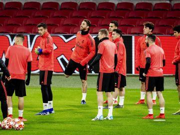 Los jugadores del Real Madrid se entrenan en Ajax