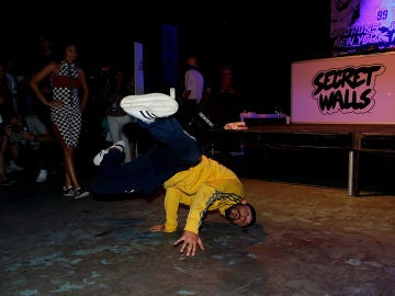 Un 'breakdancer', en plena acción