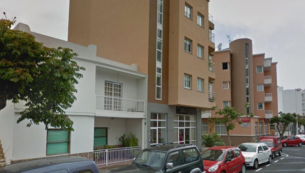Calle Enrique Mederos donde residía la víctima con su hijo