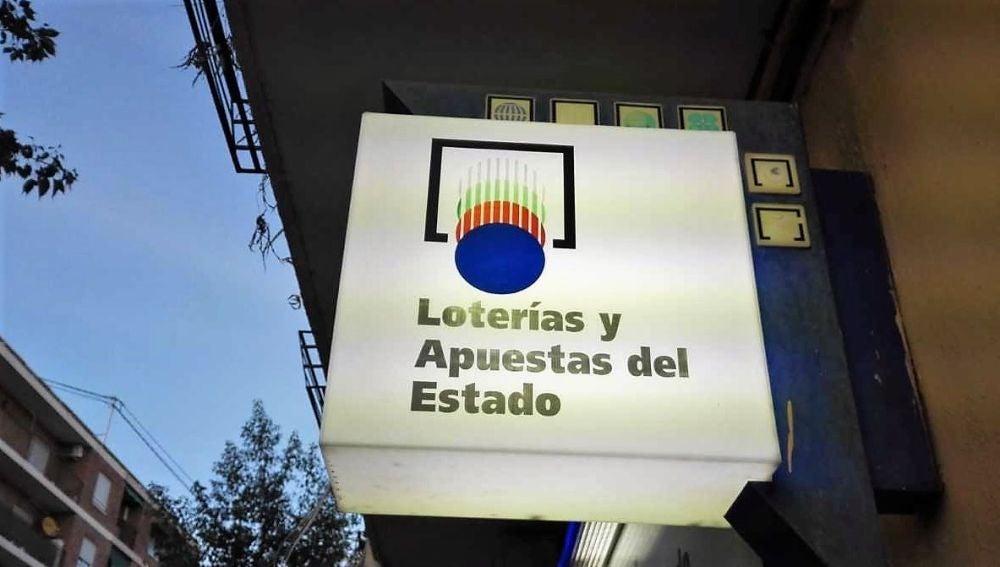Letrero de una administración de lotería de Elche