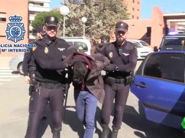El 'caníbal' de Madrid dijo a la Policía que su madre estaba en casa antes de que la encontraran descuartizada en táperes