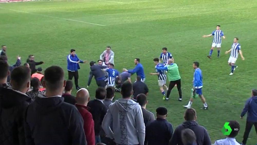Ultras del Xerez agreden a dos jugadores del Écija al finalizar un partido de tercera división