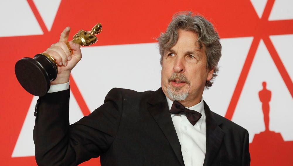 Peter Farrelly posa con el Oscar a Mejor Película por 'Green Book'
