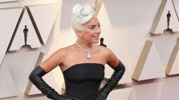 Lady Gaga, espectacular a su llegada a los Oscar 2019
