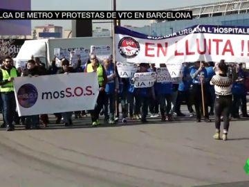 Caos para llegar al Mobile World Congress: huelga con metros atestados, protestas de Uber y Cabify y manifestación de mossos