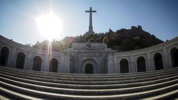 Vista de la fachada principal de la basílica del Valle de los Caídos
