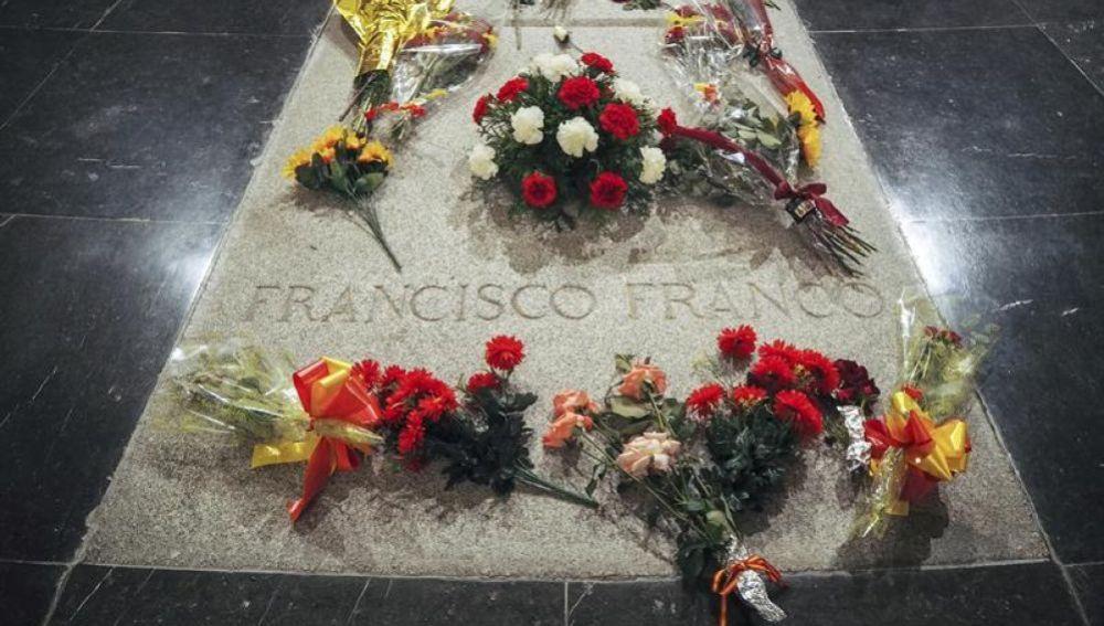 laSexta Noticias 20:00 (26-02-19) La Justicia suspende de forma cautelar la licencia urbanística para exhumar los restos de Franco