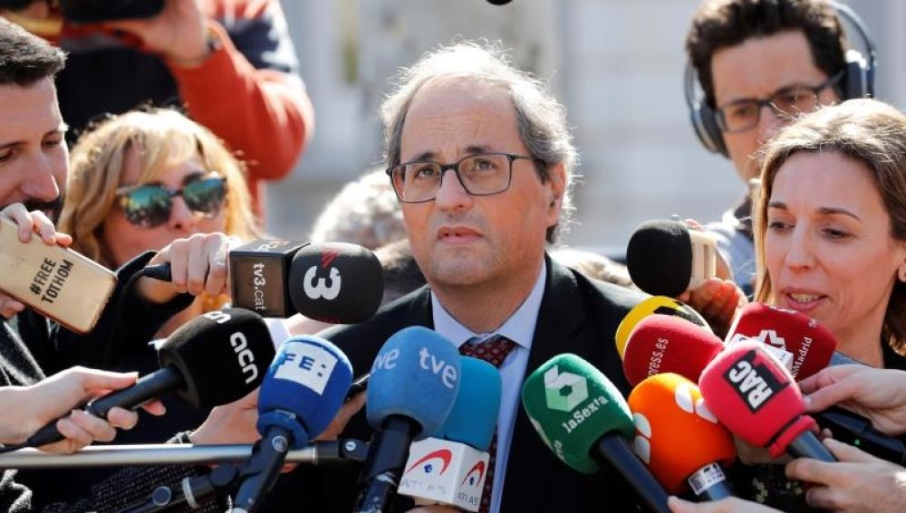 El presidente de la Generalitat, Quim Torra, atiende a los medios