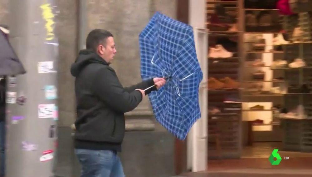 Por fin llueve en España, pero será una borrasca vista y no vista: mañana vuelve a cambiar el tiempo