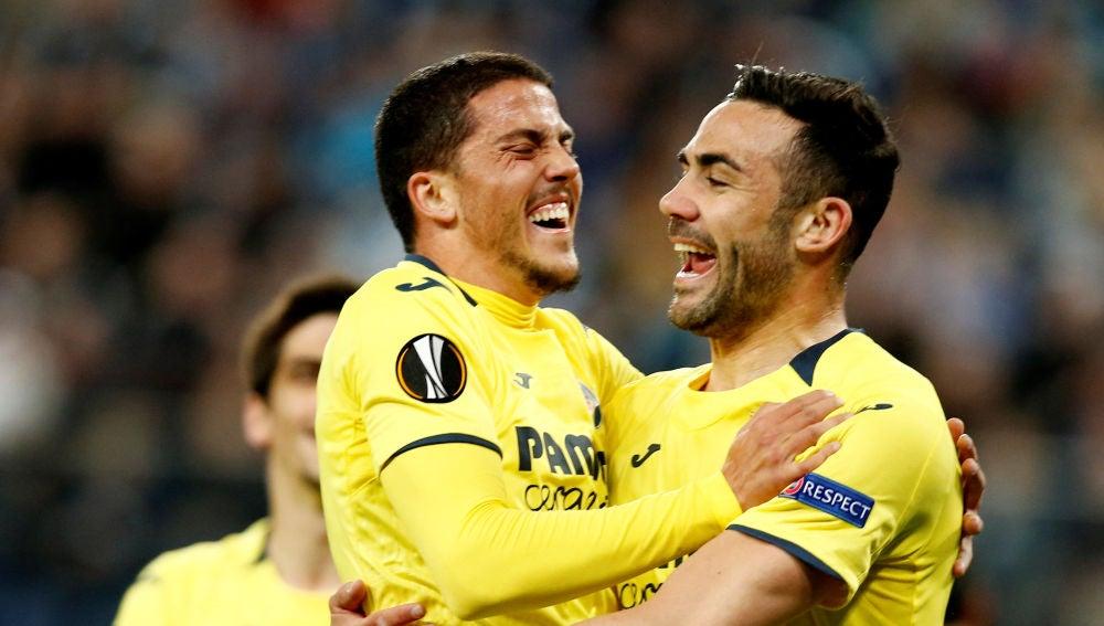Iborra y Fornals celebran uno de los goles del Villarreal ante el Zenit