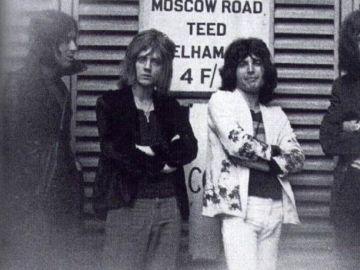 Los inicios de la banda Queen, aún con el bajista Mike Grose (izquierda)